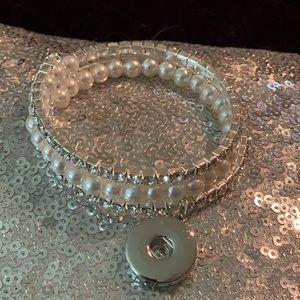 Crystal and Pearl Snap bracelet NWOT